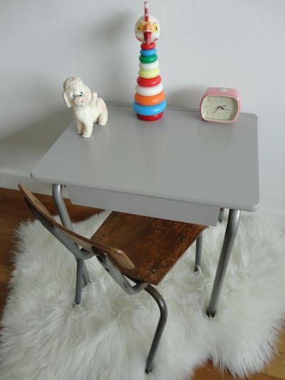 bureau-vintage-ecolier-gris