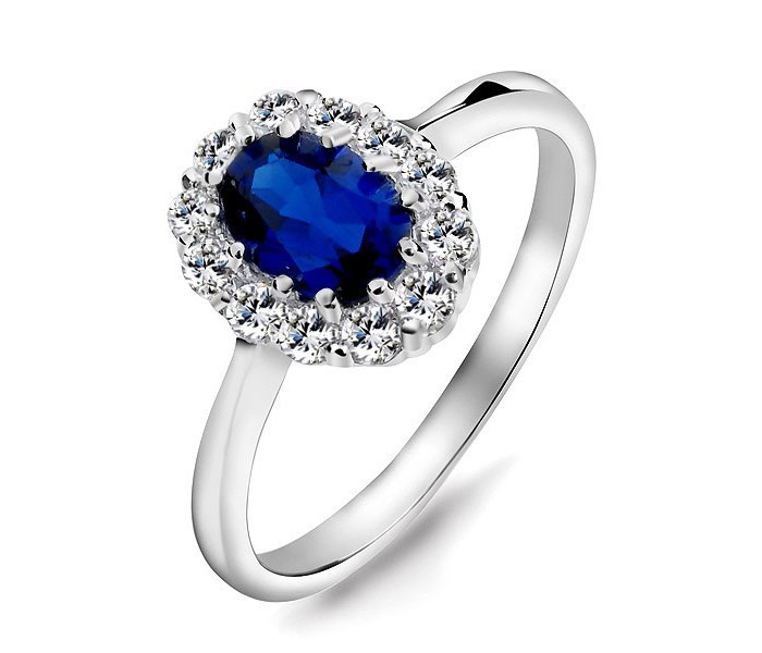 Prince-William-and-Kate-Middleton-Engagement-Ring-Replica-in-Sterling-Silver-and-Synthetic-Sapphire