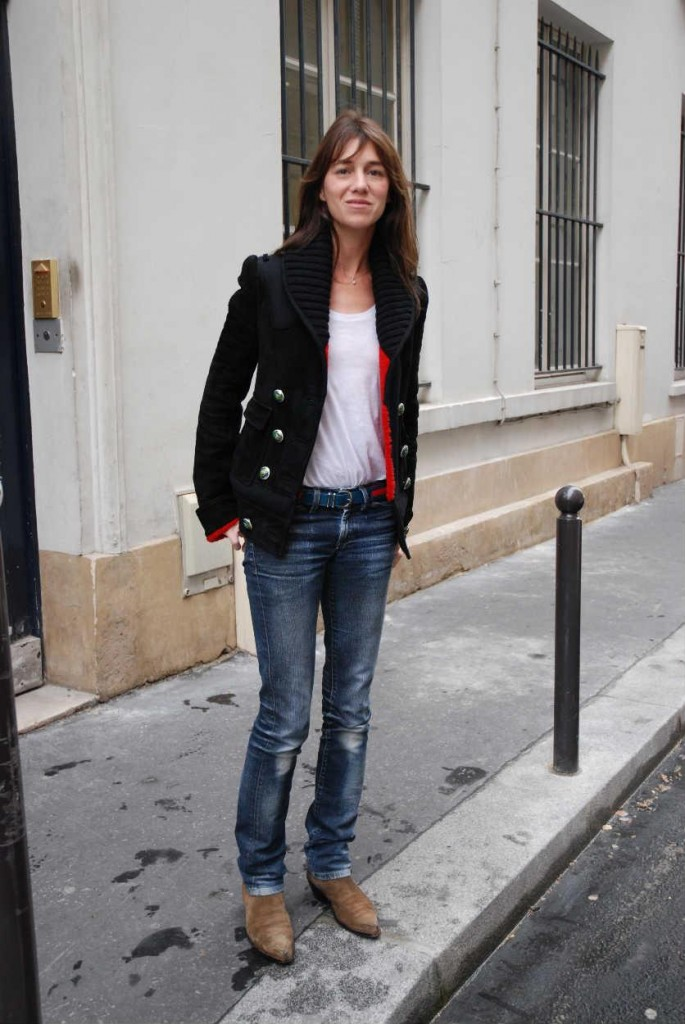 Charlotte-Gainsbourg-in-jeans-and-blazer-2
