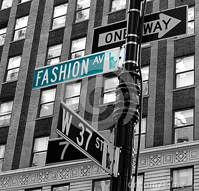 fashion-avenue-green-board-new-york-31457476